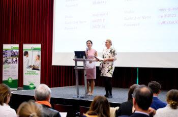 Die Vorsitzenden Marija Balic (links) und Gunda Pristauz-Telsnigg eröffnen den Fortbildungsabend.