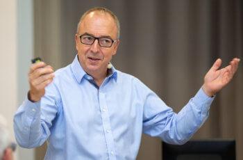 Michael Gnant teilte seine Gedanken zu wissenschaftlichen Erfolgen des Vereins und persönlichen Herausforderungen des vergangenen Jahres ..