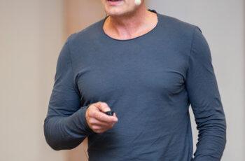Martin Filipits sprach unter anderem über Konkordanzanalysen neuer Brustkrebsdiagnostik-Assays.