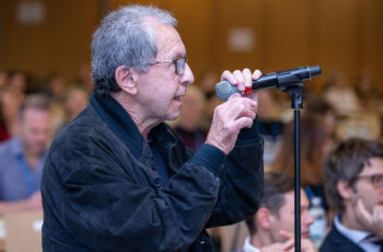 Fragen zu den Vorträgen aus dem Publikum kamen von Michael Stierer ..